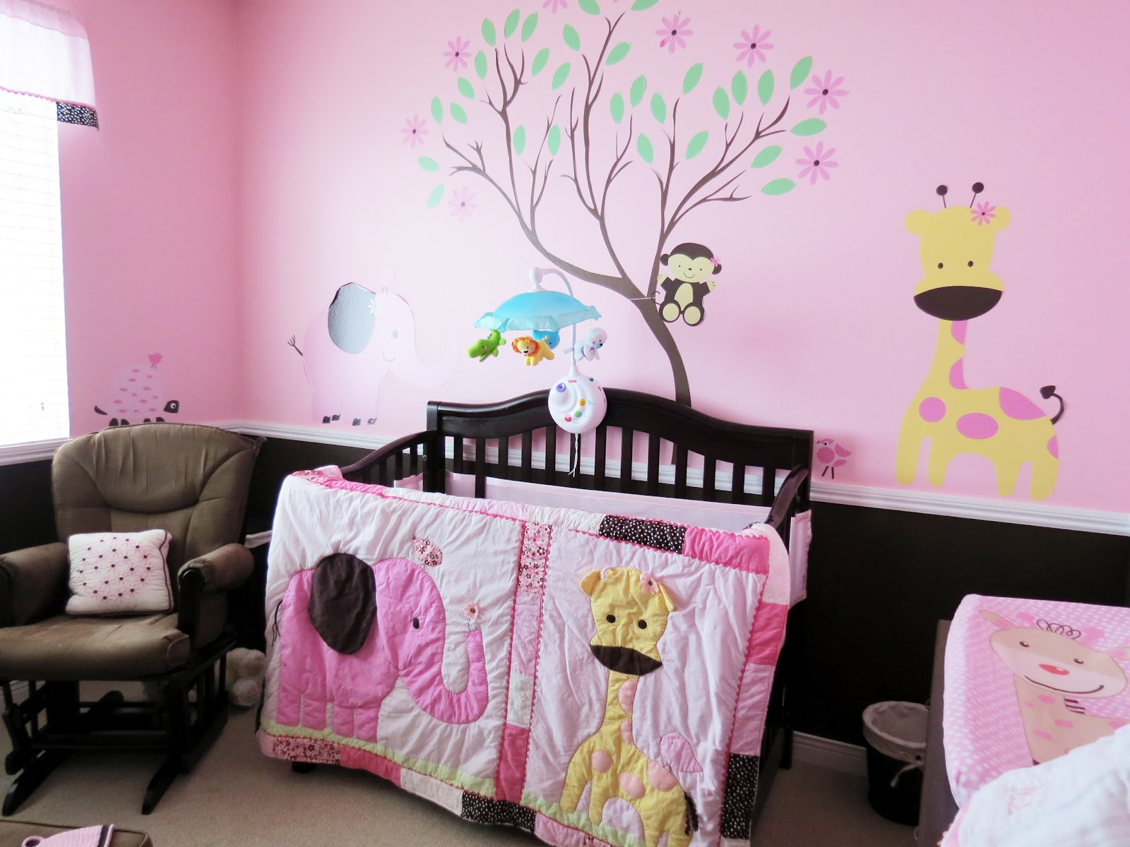 10 brilliant baby room ideas home and office painting services paintzen - American girl bedroom ideas ...