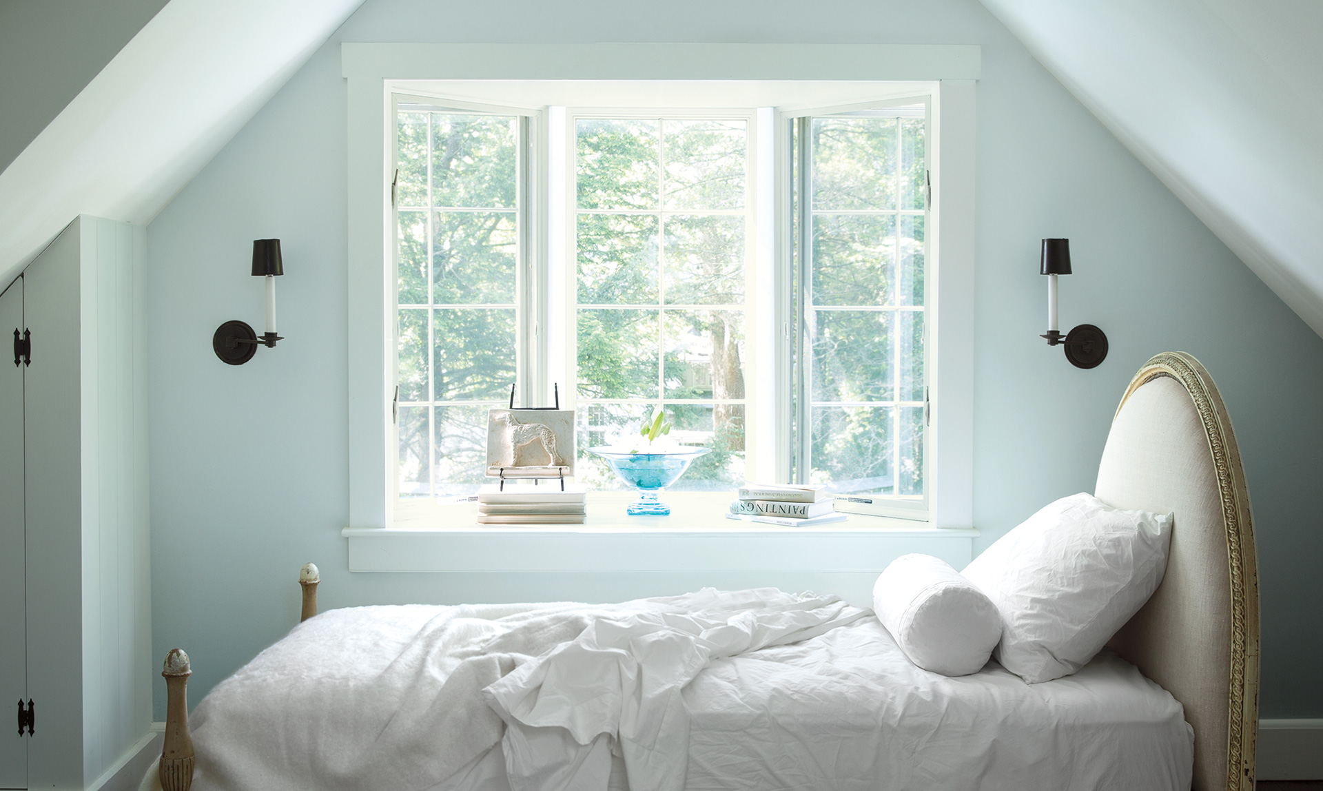 This popular blue is great for rooms with natural light - Best bedroom paint colors benjamin moore ...